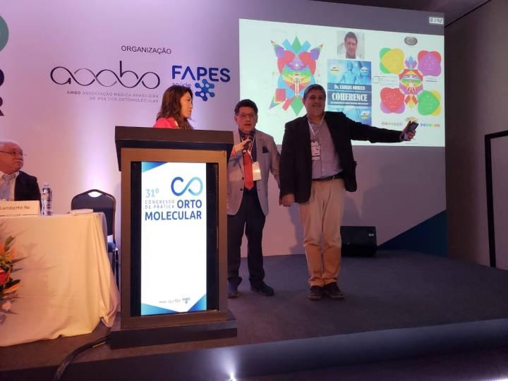 En el Congreso de Medicina Orto molecular, en Brasil.